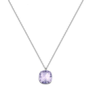 violet con cadena